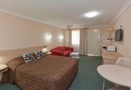 Abraham-Lincoln-Tamworth-Motels